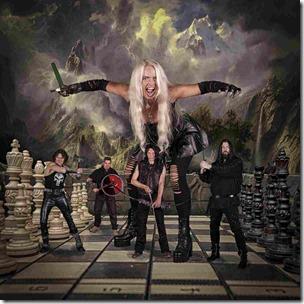 Queen of Distortion - Schachbrett