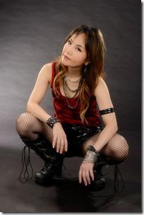 Saeko Alone opsis_004_色調整 c